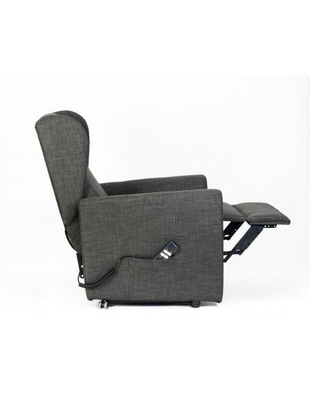 Poltrona alzapersona, reclinabile 2 motori indipendenti, seduta indeformabile, comode orecchie laterali, spesa detraibile 19%